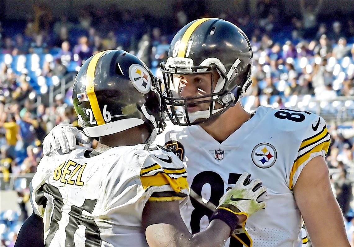 Le Veon Bell And Jesse James Are Two Of The Steelers 14 Unrestricted Free