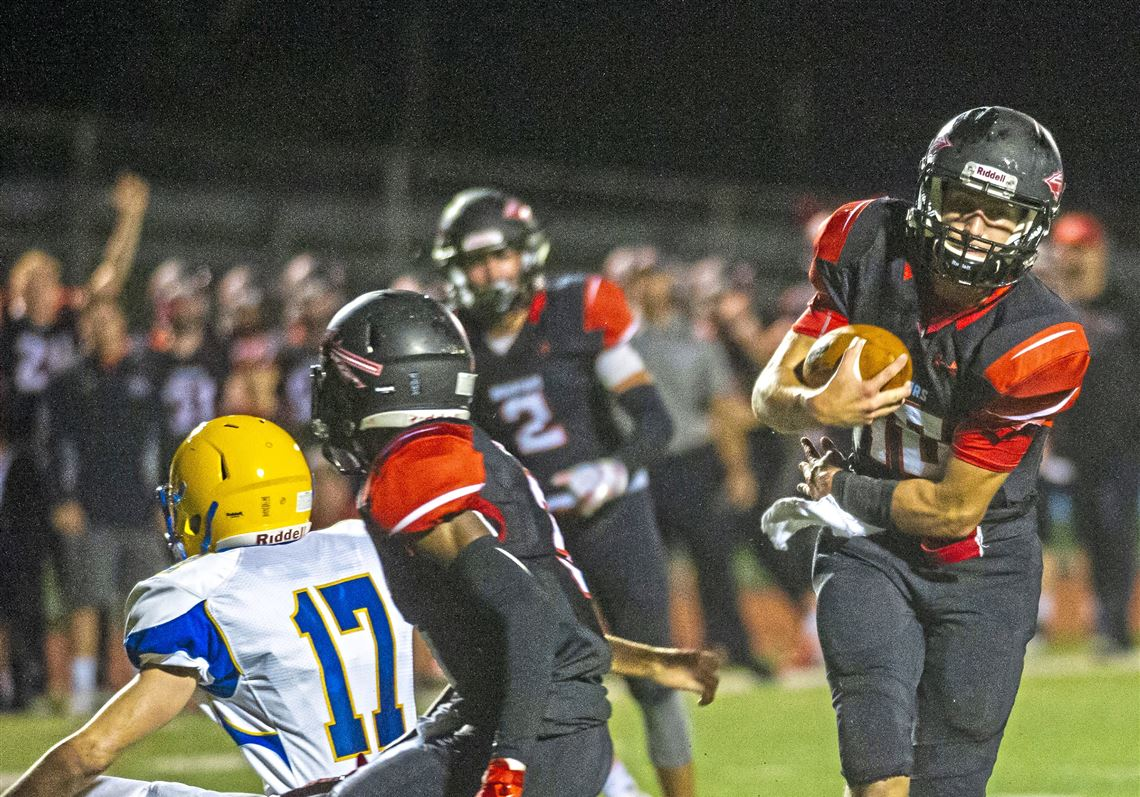 Class 3a No 3 Ranked Elizabeth Forward Holds Off No 2 Derry 25 22