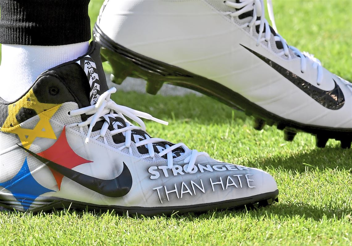 00ed4e42c Steelers quarterback Ben Roethlisberger wears shoes to honor the Tree of  Life Synagogue shooting victims as