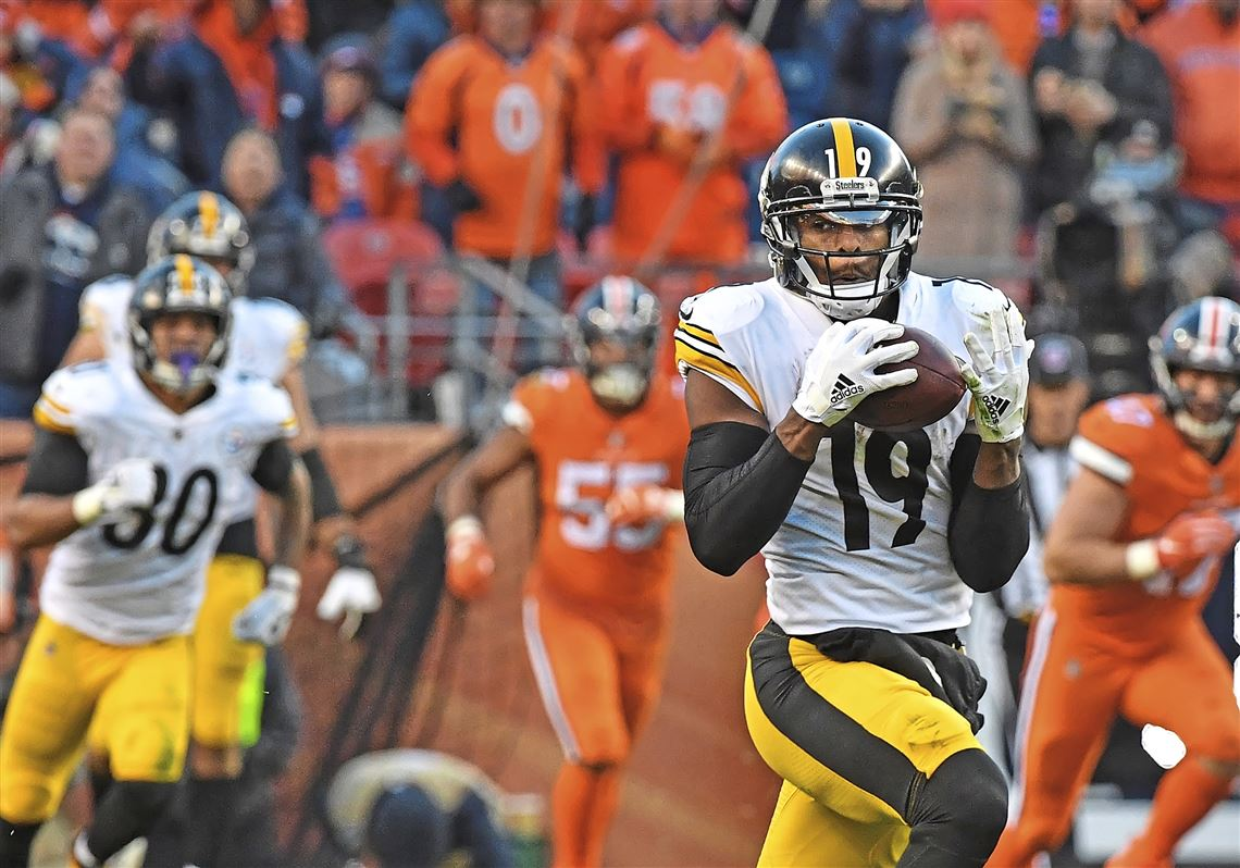 124d9f763a3 Steelers wide receiver JuJu Smith-Schuster scores on a 97-yard touchdown  catch for