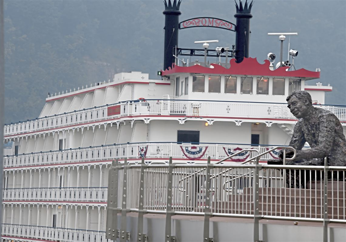 Queen of the Mississippi riverboat makes Pittsburgh visit