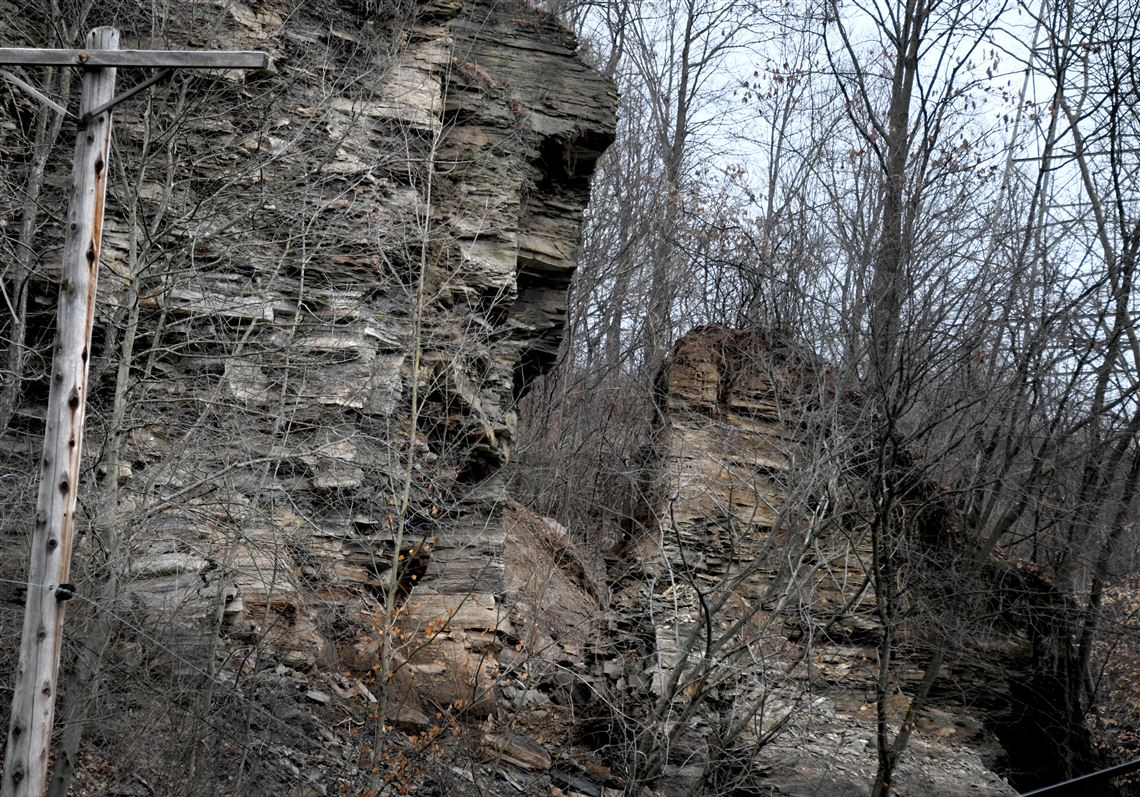 PennDOT reopens Route 51 in Moon after rock slide
