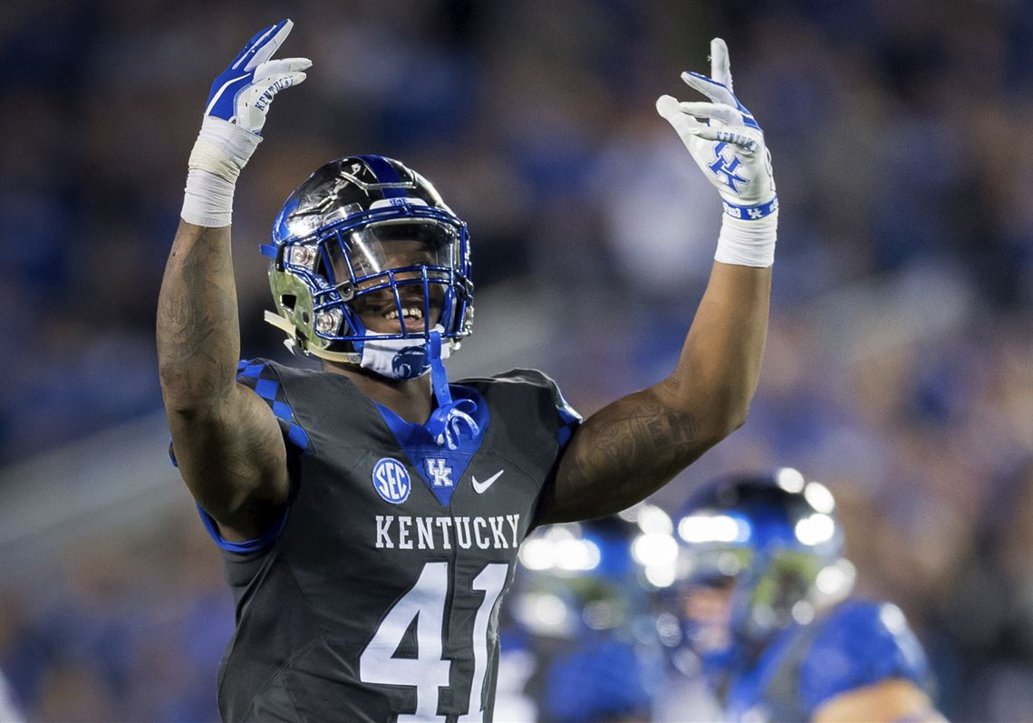 c21038e5a Kentucky linebacker Josh Allen rallies fans during the second half of the  team s game against South