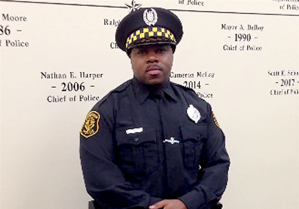 Pittsburgh police Officer Calvin Hall, shot Sunday in Homewood, dies