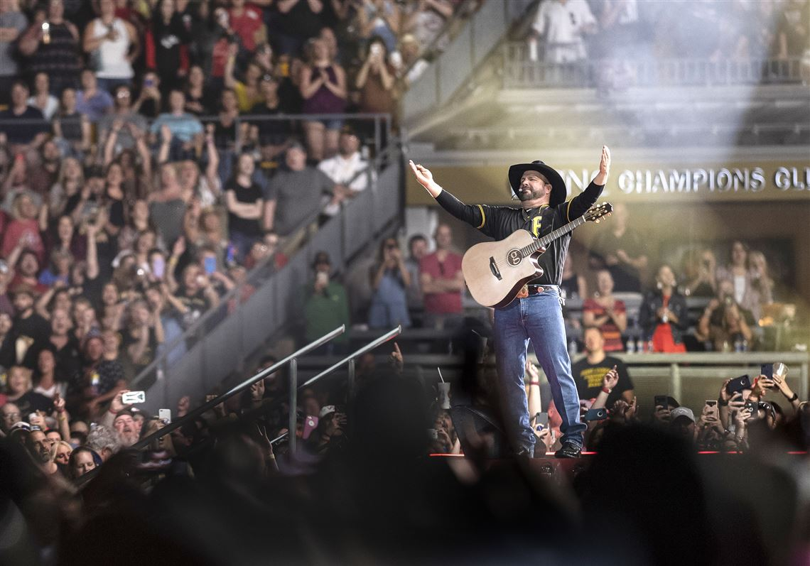 Garth Brooks 2020 Schedule Garth Brooks and friends have a blast in first Heinz Field show