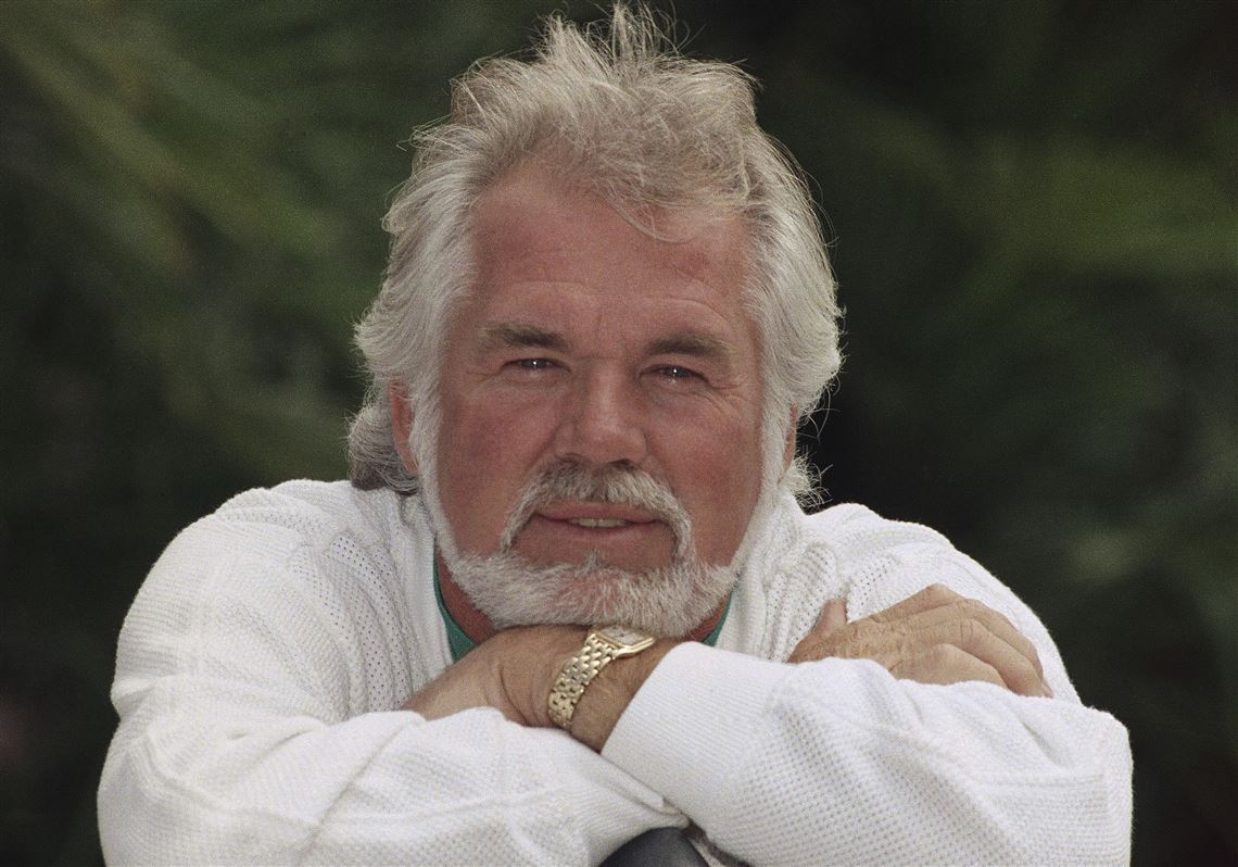 Singer, actor, 'The Gambler': Kenny Rogers dies at 81 ...