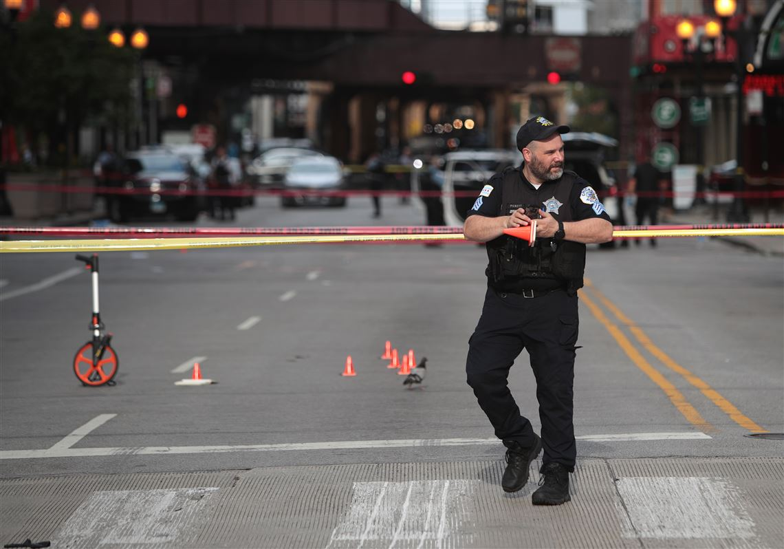 Hundreds Ransack Downtown Chicago Businesses After Police Shooting Pittsburgh Post Gazette