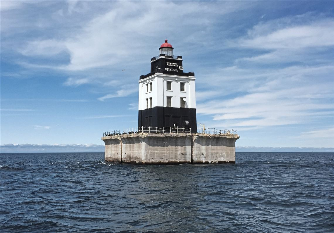 Need a nice Great Lakes retreat? Bid on an historic lighthouse