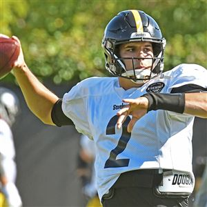 Steelers quarterback Mason Rudolph throws during practice Wednesday, Oct. 9, 2019, at UPMC Rooney Sports Complex.