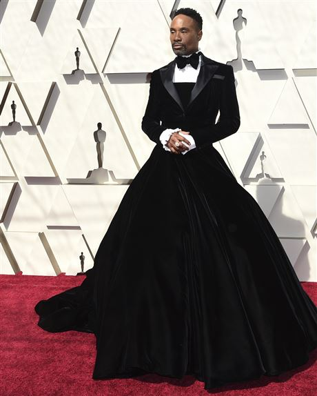Pittsburgh's Billy Porter struts the 2019 Oscars red carpet for ABC