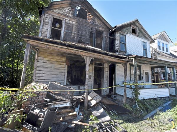 authorities investigating vacant house fire in coraopolis pittsburgh post gazette authorities investigating vacant house