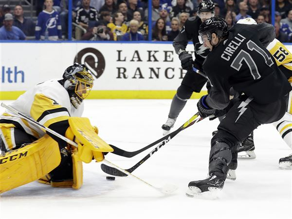 Power-play troubles persist for Penguins in loss to Lightning