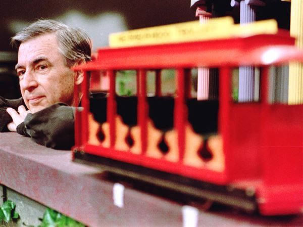 Fred Rogers Re Emerges As Champion For Pbs Pittsburgh Post Gazette